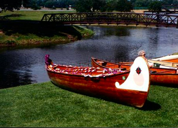 This 36 foot canoe is a replica of Voyagers canoe used on Lake